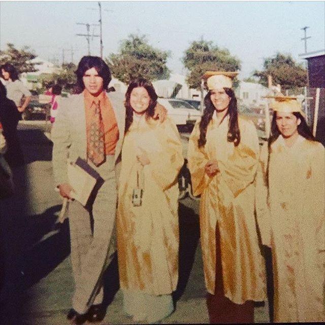 Elda Ramirez (in the middle), Aunt Maria Rodiguez (Far Right). Huntington Park High School circa 74-75 (photo : @olivares_gabbie ) 🎓