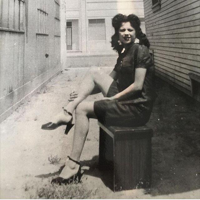 Pachuca Lydia Sanchez aka Lily #LosAngeles 1942 (photo submitted by @pa_mi_pati )