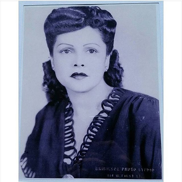 @jessemblue great grandmother Rosemary. Taken at Bribiesca photo studio 114 w. First st #LosAngeles #Califas 💫