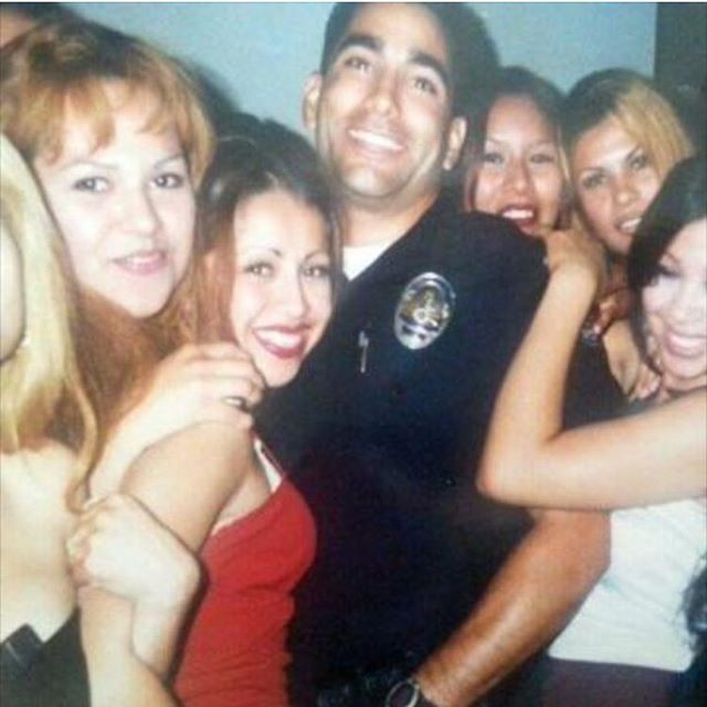 When the huddas want in on some East Los Hyna action #Nochill 👮🏽🖕🏽🐷