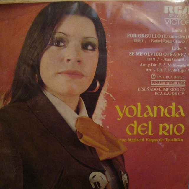 My mama exposed us to some good sh*t #YolandaDelRio all day #LaHijaDeNadie #WCW