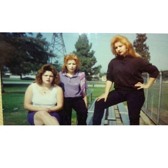 ~ La Grumpy~ (R) and the homegirls  #GrapeSt 🍇 #Watts 1988 #OGs #Veteranas 🙏 @lamoonflower ✊