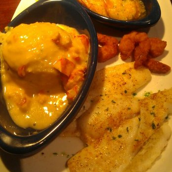 Red Lobster - Sailors trio - Elmhurst, NY, United States
