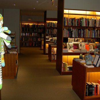 Hammer Museum - Large Book Selection - Los Angeles, CA, United States